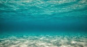 uma-lagrima-e-um-oceano-e-o-paraiso-e-um-sofa.html